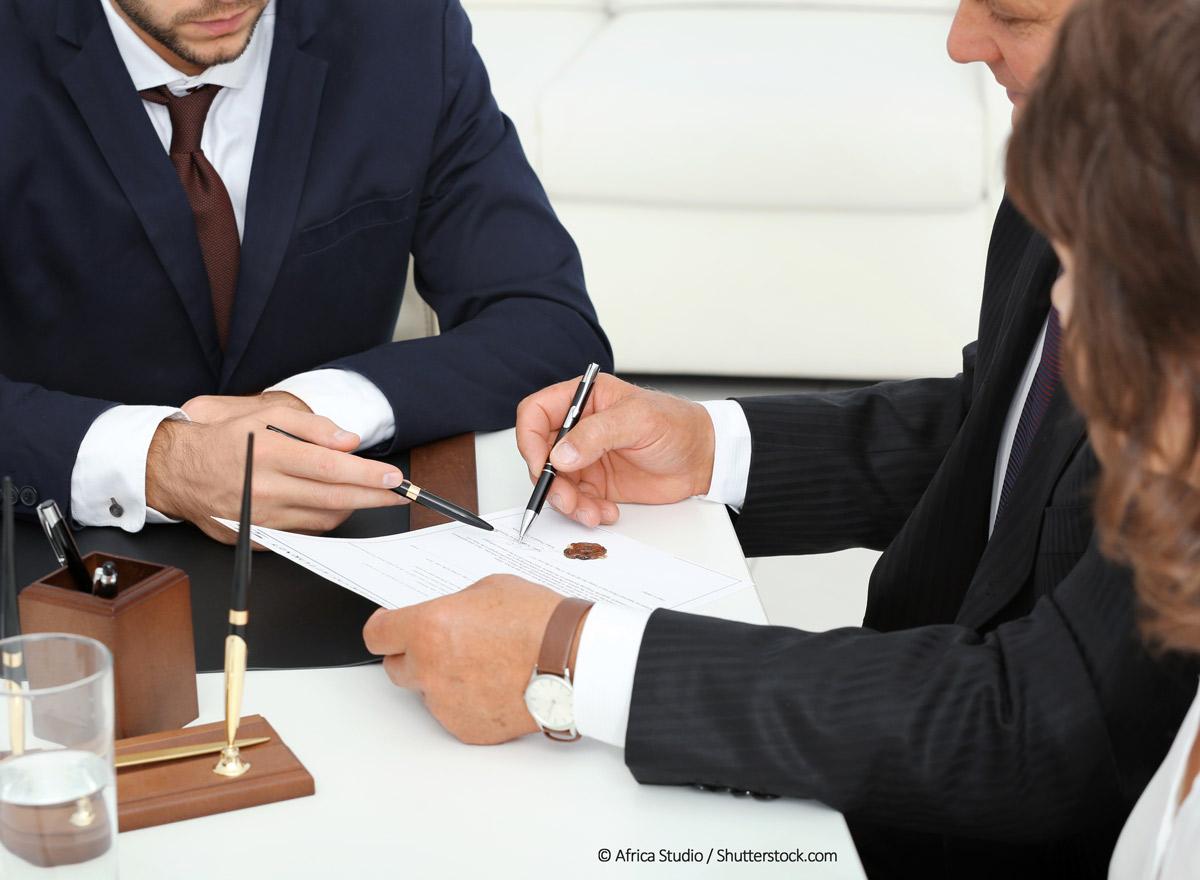 haus-kaufen-notar-immobilienkauf-vertrag
